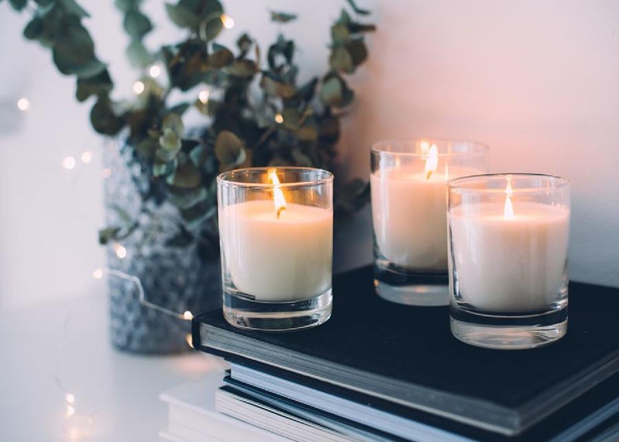Vivian Vu's là một trong những loại nến thơm để khử mùi và trang trí