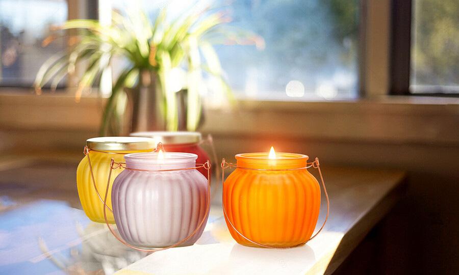 Quang Minh Candle luôn mang tới đa dạng mẫu nến thơm